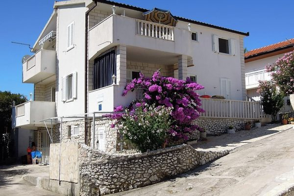 House for sale Rogoznica - RG1236AP - house front