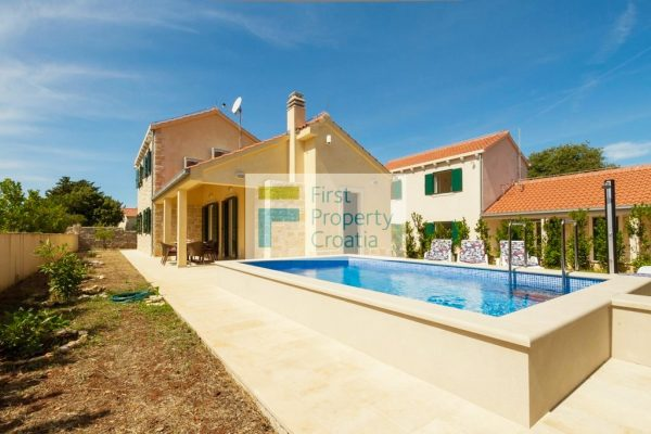 Houses for sale Brac - BR1093IV