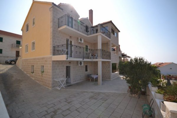 Villa for sale Brac - BR1005IV - house front